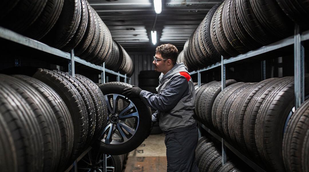 Reifenservice Reifeneinlagerung im Autohaus Wülpern